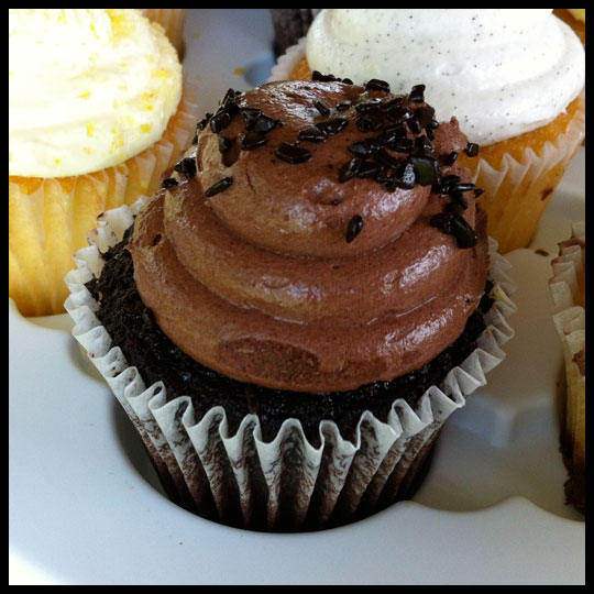 Review for Kimberley's Bakeshoppe Cupcakes: Raising the Bar for Store Bought Cupcakes (3/4)