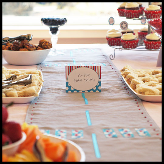 CarolinesCakes__TableSpread