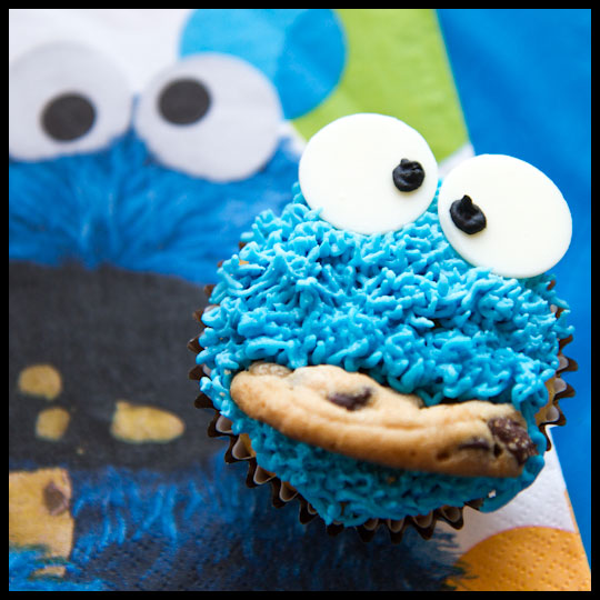 CookieMonster_Cupcake1