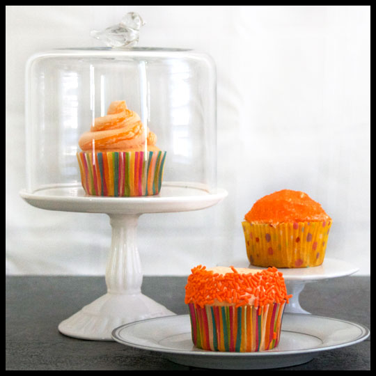 Bring on the Warm Weather with these Orangesicle Cupcakes (4/6)