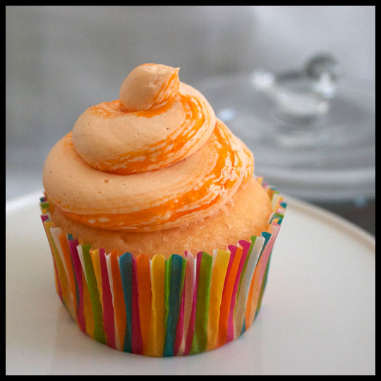 Bring on the Warm Weather with these Orangesicle Cupcakes (5/6)