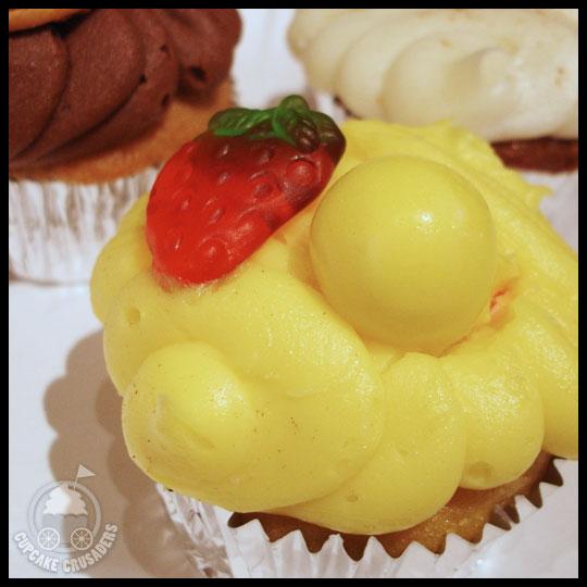 MadHatterCupcakesVegas_LemonStrawberry