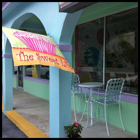 CupcakesInParadise_Outside