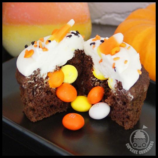 HalloweenPinataCupcakes_Inside